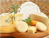很多人认为,奶酪中的脂肪含量过高,所以,许多人以减肥和健康为理由,拒绝了这种美食。实际上,奶酪有很多好处,本文呈现的内容就是人们应该爱上奶酪的5大理由。