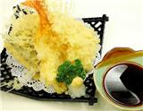 天妇罗是日本料理中的一类油炸食品,可分为蔬菜天妇罗、海鲜天妇罗和什锦天妇罗等。此种食物先用面粉、鸡蛋与水和成浆汁,再将新鲜的鱼虾和时令蔬菜裹上浆汁放入油锅炸成金黄色。本周介绍的米其林三星…