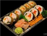 前几周介绍的日本料理餐厅大多制作传统的日本美食,文本介绍的这家米其林三星餐厅则是融合了法餐元素的日本神田(Kanda)餐厅。