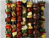 烧烤不仅仅是荤菜的天下,一些蔬菜经过适当烧烤也是非常美味的,如玉米、辣椒、南瓜、茄子、芦笋、蘑菇等。