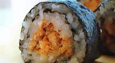 原料:糯米;肉松;调味:寿司醋;白砂糖;海苔;营养:用来制作寿司的菜料千变万化,你能体验的美味也是无穷无尽的,加上各种其他成分的自由组合,惟一的限制也许就是你的想象力。有人说,寿司不仅仅是食物,它更是