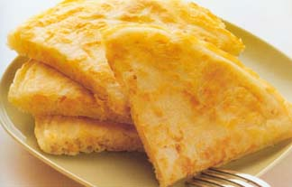 <br />  <br />   <br /> 玉米煎饼-怀孕280天孕妇饮食第77材料:玉米粒罐头1/4罐、鲜奶1/2杯、面粉1/2杯、发粉1/4小匙、玉米油适量。做法:1 将玉米粒、鲜奶、面粉、发粉混合均匀为玉米面糊。