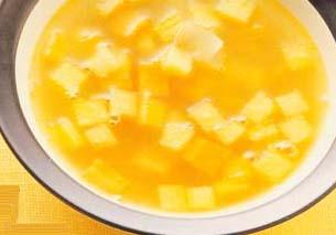 <br />  <br />   <br /> 胡萝卜苹果汤-怀孕280天孕妇饮食第65材料:胡萝卜45克、洋葱25克、苹果60克、鸡高汤1.5杯。调味料:盐适量、黑胡椒粉适量。做法:1 胡萝卜去皮切片,洋葱切丝,苹果去核切片。