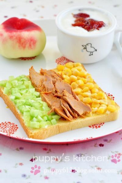 西式营养早餐花式吐司