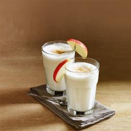 苹果奶油派(apple pie cream)是一杯无酒精果汁。苹果汁富含维生素A、C,是非常好的改善身体健康的饮品。配合上肉桂和香草的味道,绝对会让你食物大增。小提示:可以加入一些冰沙在杯中,口感更好                冰块4-6块苹果汁4盎司香草冰淇淋1个苏打水适量肉桂糖少许苹果片1片1把冰块、苹果汁和冰淇淋放入果汁机2开启果汁机直至看起来很滑润(5~10秒),倒入冰镇好的酒杯中3用苏打水补至九分满4撒上肉桂糖和苹果片装饰5尽享美味吧!转载请注明:有颜色 » 苹果奶油派