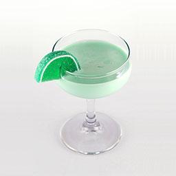 八零年代(The 80's drink)是一杯色彩明亮的鸡尾酒,说起上世纪八零年代,会回忆起很多很多。那时候我们唱的歌,那时候我们玩的游戏,那时候我们吃过的小吃等等,这杯酒用一抹浅绿色描绘出那个年代,这是青涩的颜色,也是纯真的年代。  装饰上采用食用色素浸制出一片绿色的橙瓣,不知道你端起这杯酒的时候会应景的把它联想成何物呢?                冰块4-6块伏特加0.5盎司加利安奴0.5盎司绿薄荷力娇酒1盎司百利甜0.5盎司奶油1盎司浸色绿橙瓣1片1在雪克壶中放入4-6冰块2倒入伏特加