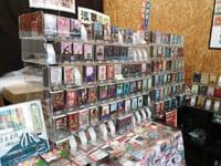 包装华丽的手工棒棒糖「かっぱ橋本通り」(河童桥本大道)连接着上野和浅草,很早以前就很热闹了。也许不被大众知晓,这边有家叫「面白おかし工房 なかいち」的糖果店,这里就像色彩